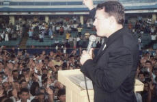 Paul speaking in Guayaquil, Ecuador